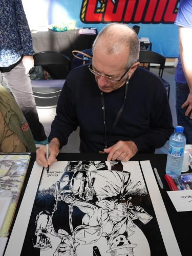 Dave Gibbons signant ma reproduction